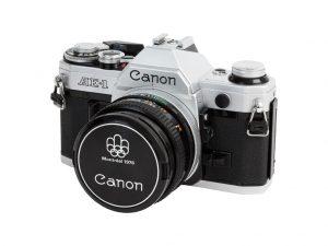 5 zrkadloviek na 35mm film - canon-ae1