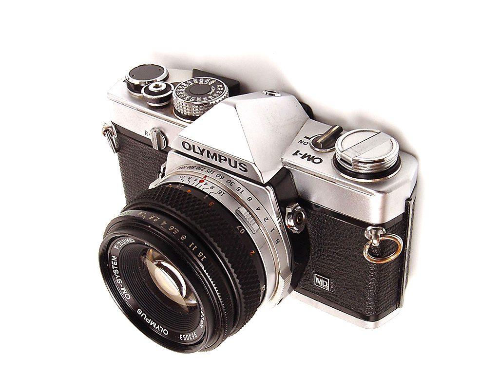5 zrkadloviek na 35mm film - olympus om-1