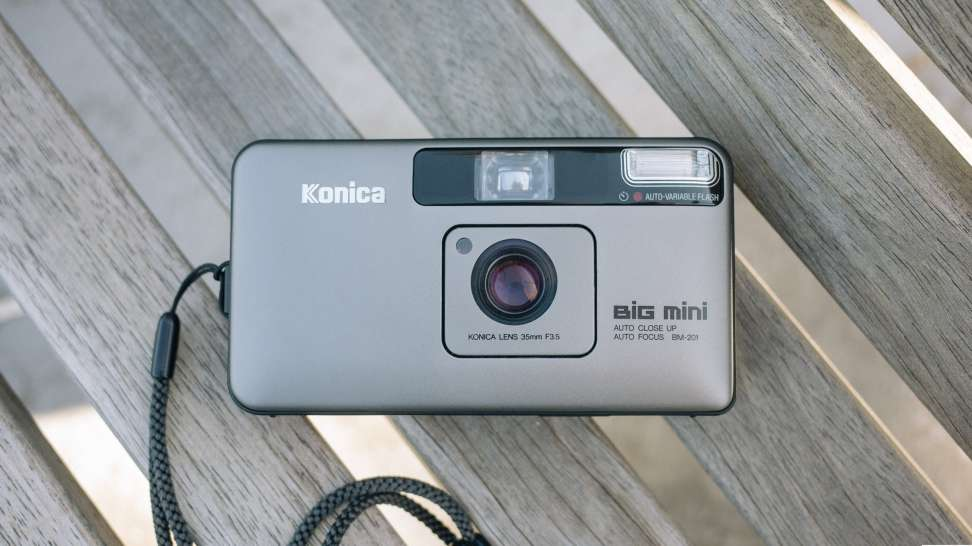 konica big mini point & shoot camera