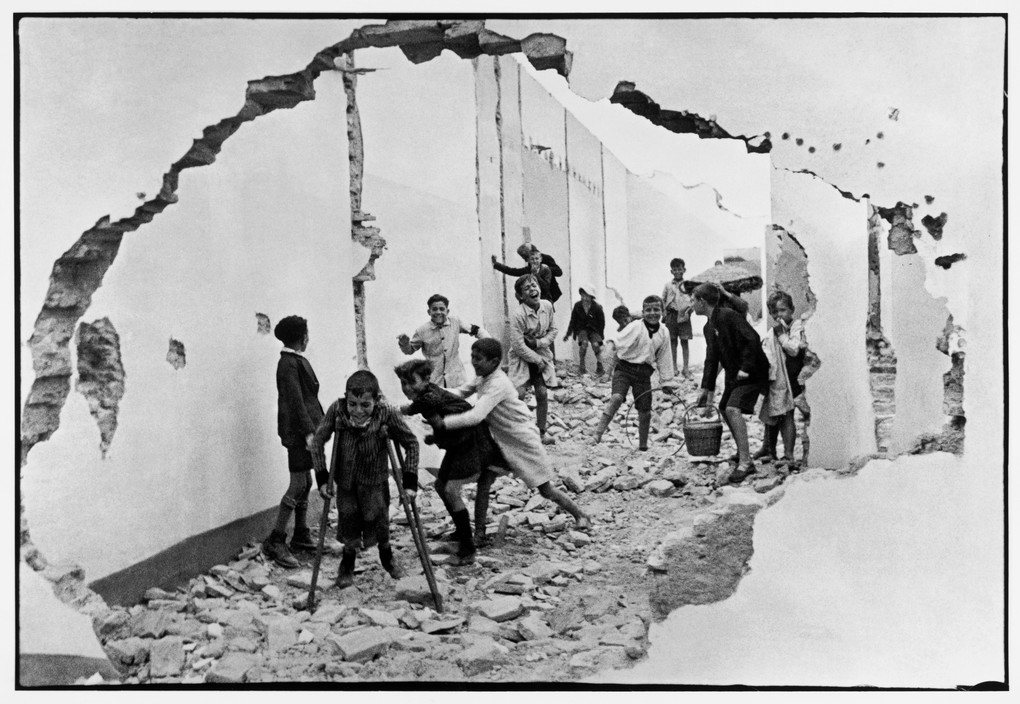 henri cartier-bresson magnum photos
