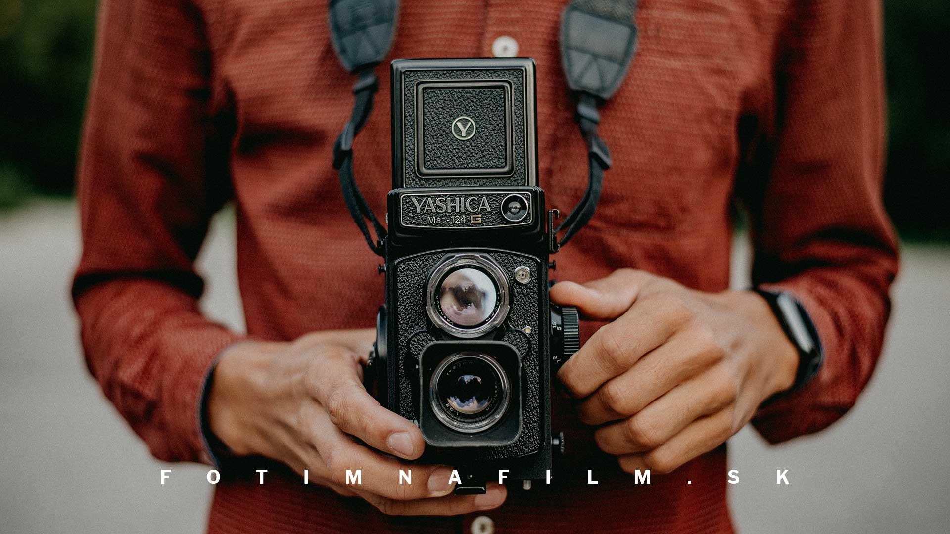 fotoaparát na zvitkový film yashica mat 124g