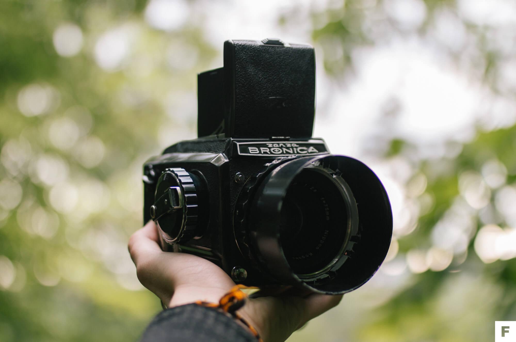 fotoaparát na film zenza bronica s2
