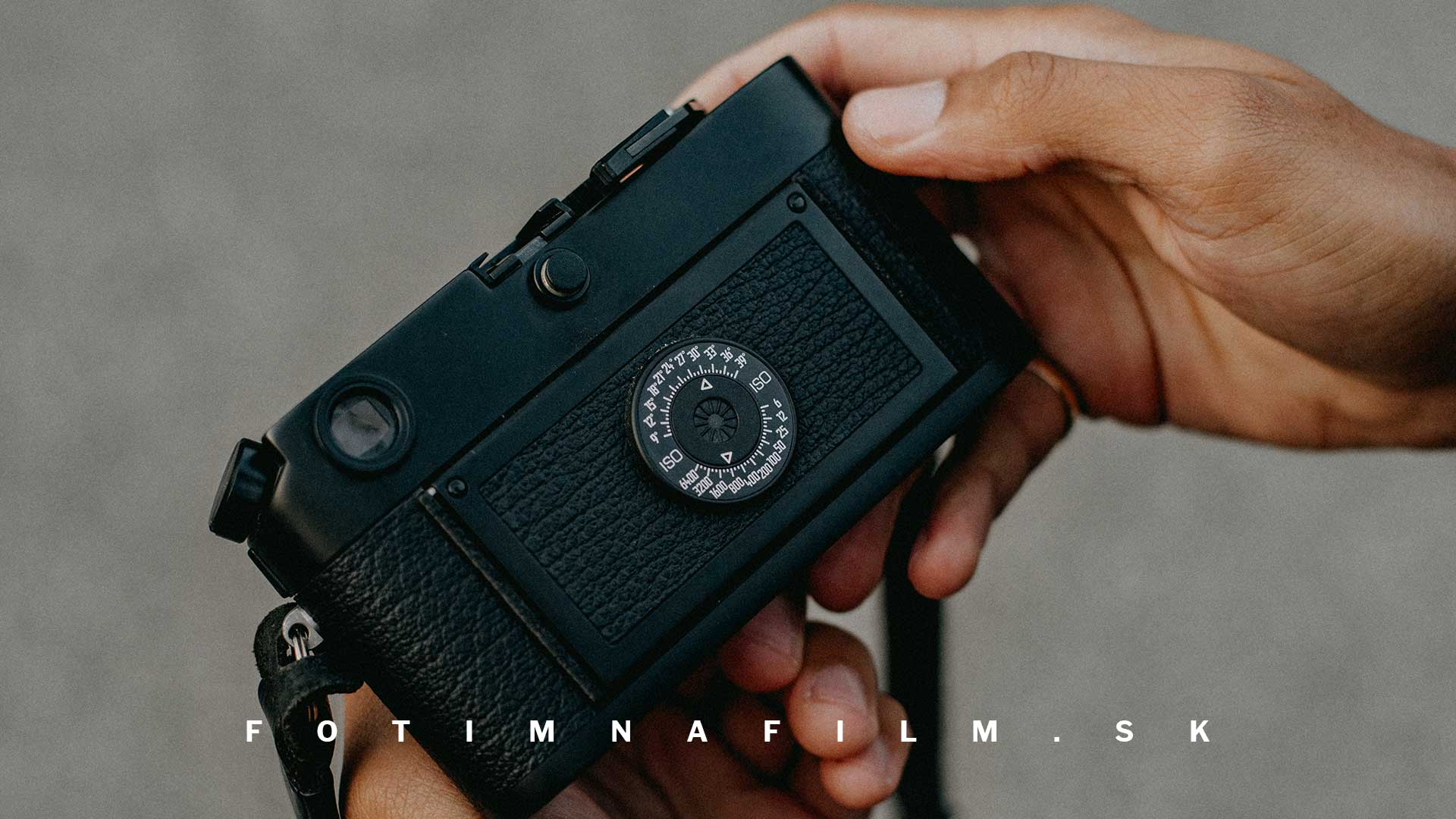 Nemecký fotoaparát Leica M na film